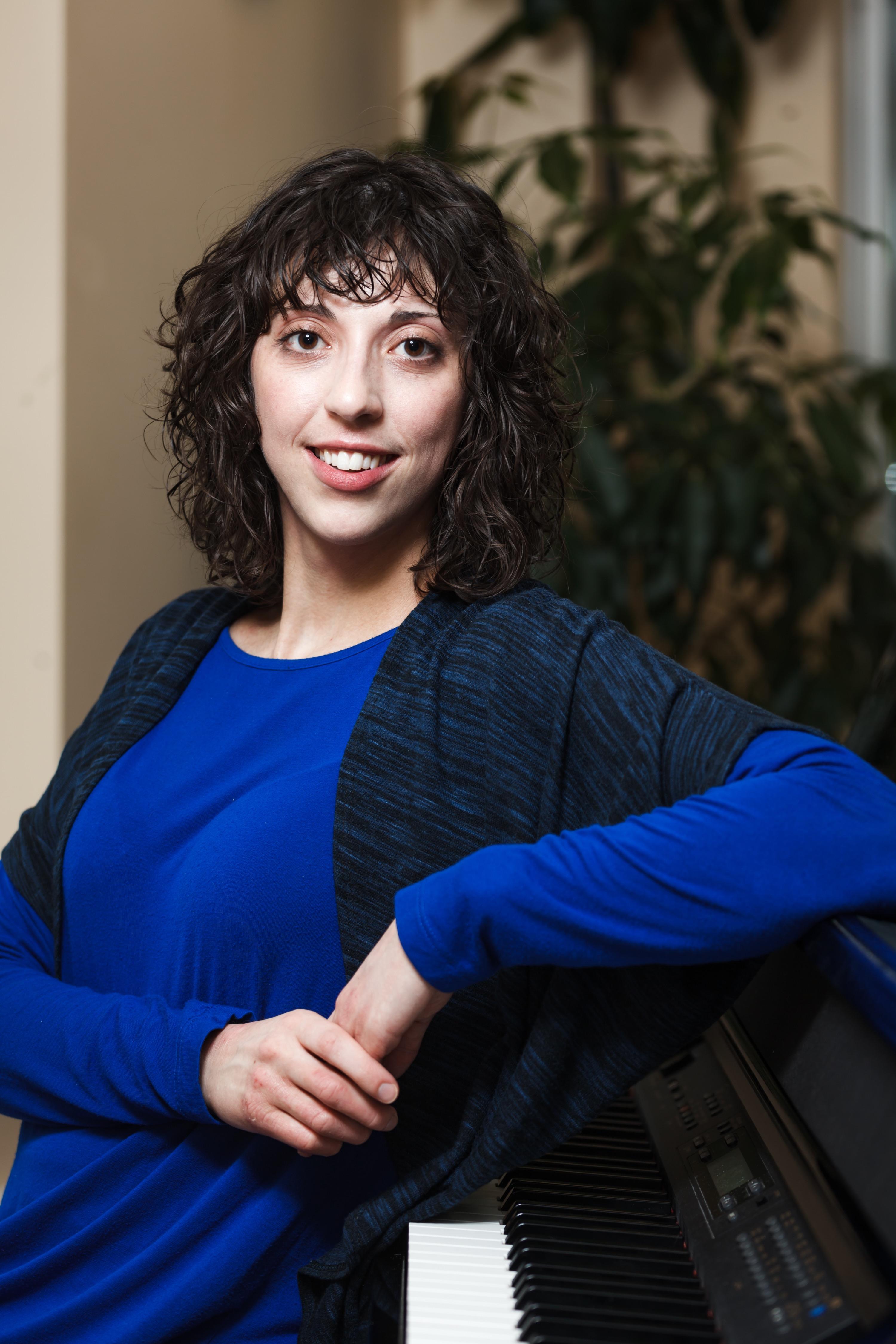 Mackenzie Costron. Accredited Music Therapist. Registered Counselling Therapist. Halifax Nova Scotia. Mental Health. Grief. Loss. Bereavement. Dementia. Alzheimer's.